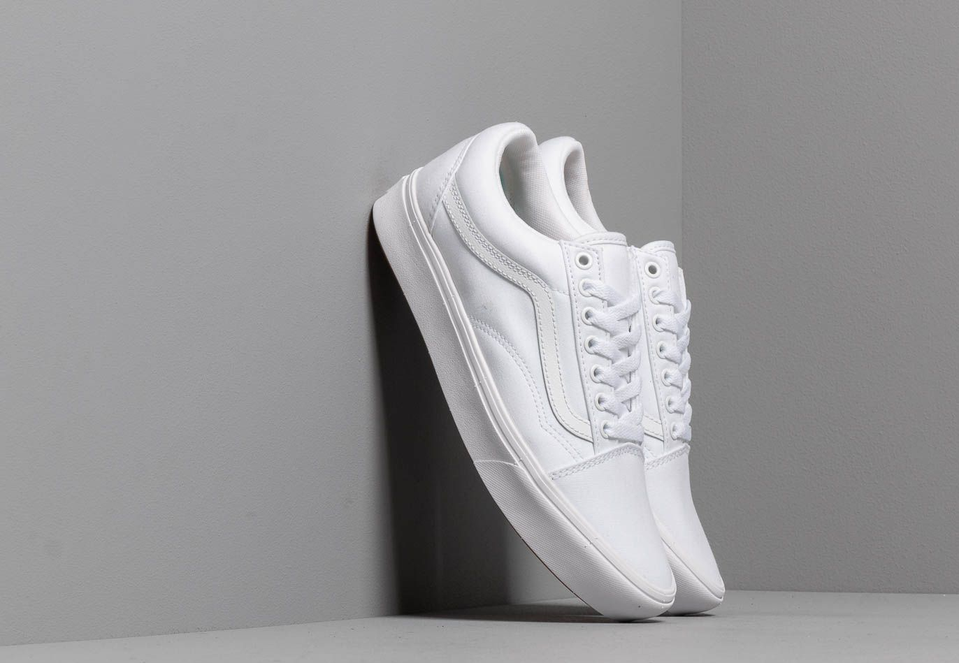 Vans ComfyCush Old Skool (Classic) True White/ True