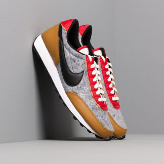 Nike W Daybreak QS Gold Suede/ Black-University Red-Sail