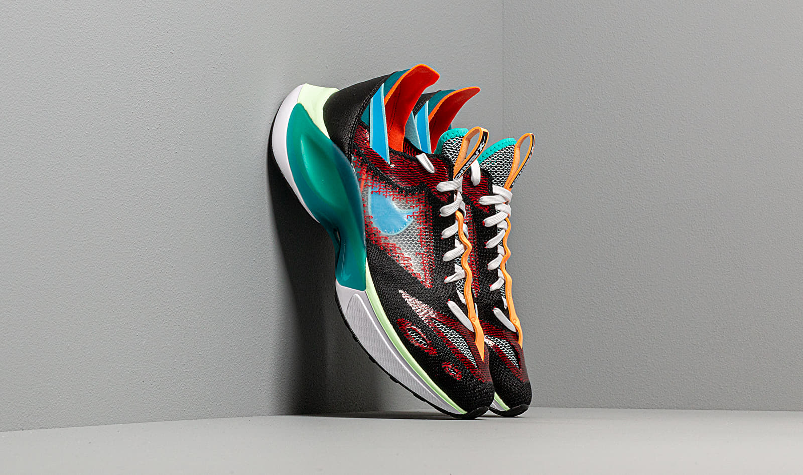 Nike N110 D/MS/X Black/ Blue Hero-Blue Gaze-University Red AT5405-001