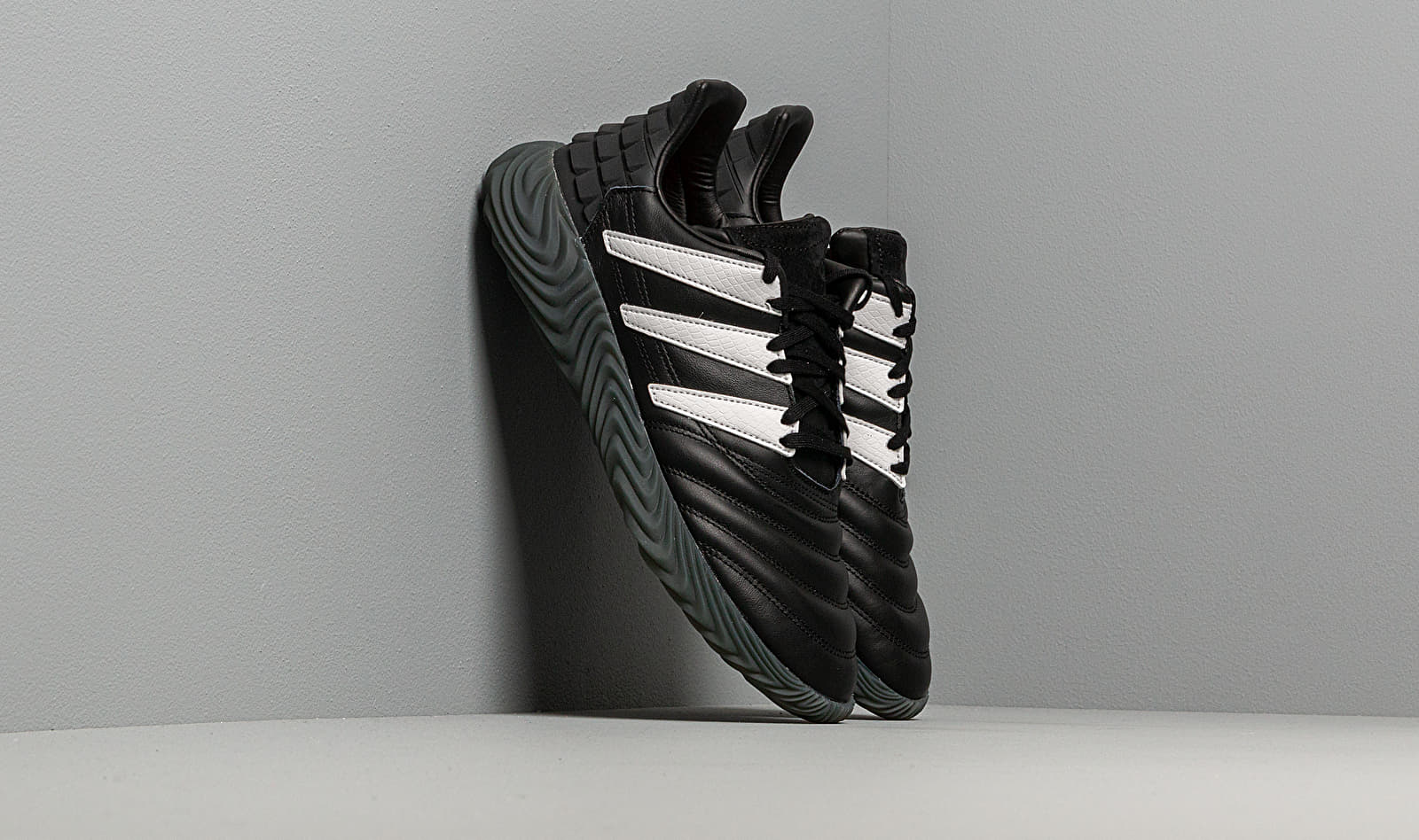 adidas Sobakov Core Black/ Ftw White/ Solar Red EE5627