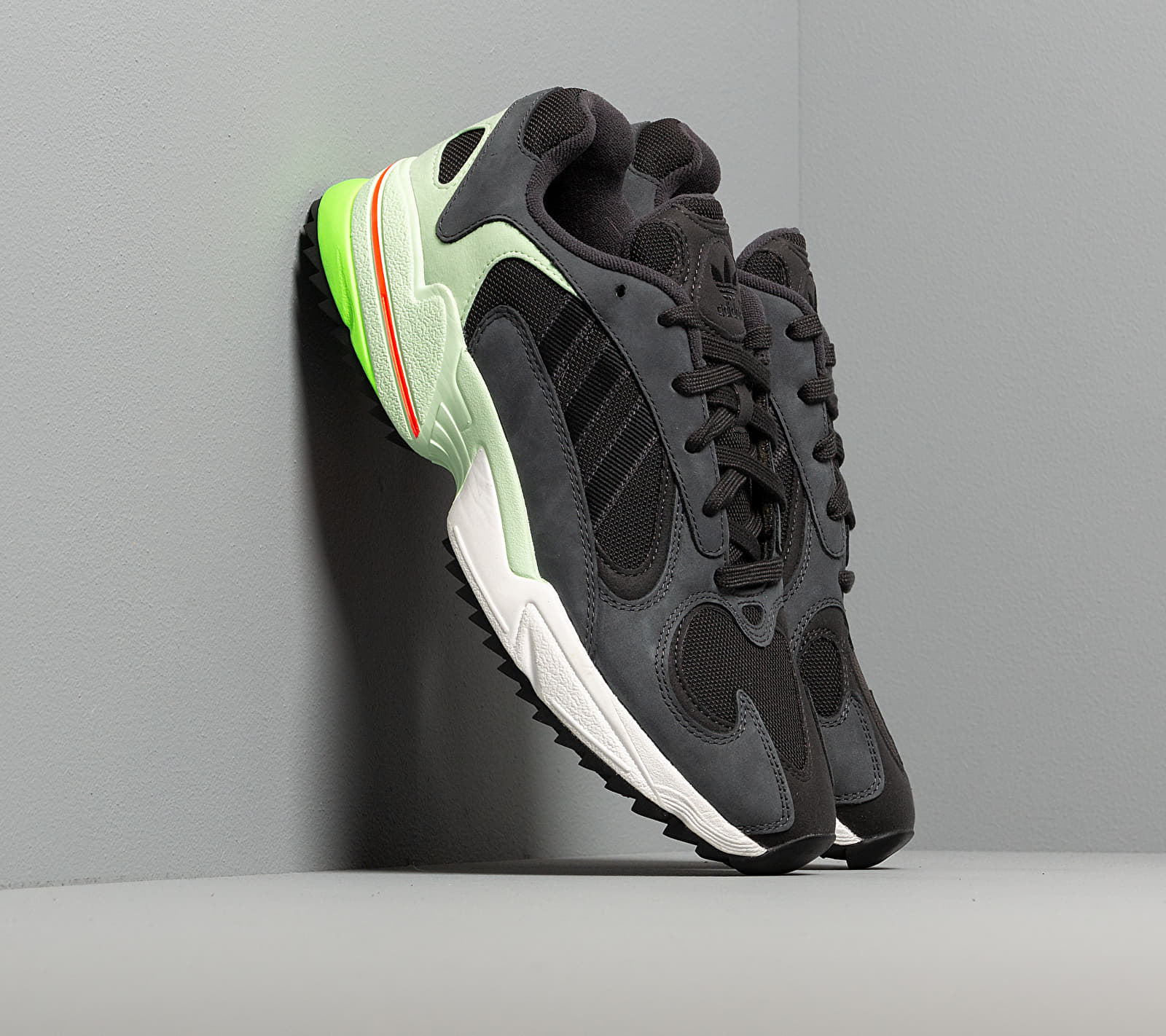 adidas Yung-1 Trail Carbon/ Core Black/ Glow Green EE6538