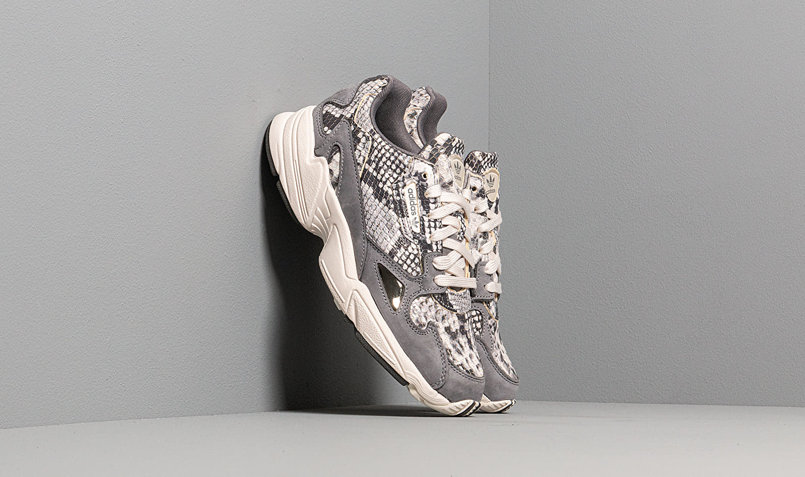adidas Falcon W Crystal White/ Crystal White/ Grey Two F17 EH0192
