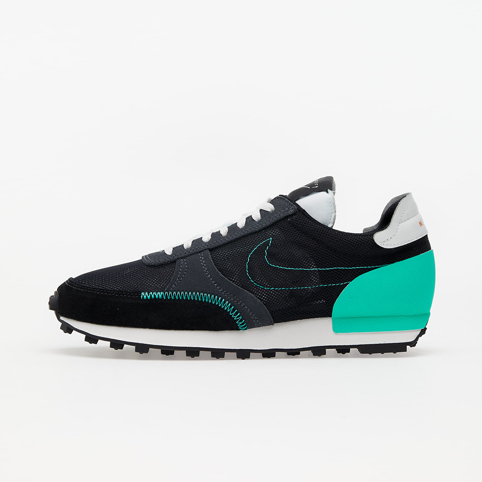 Nike Daybreak-Type Black/ Menta-Summit White CJ1156-001