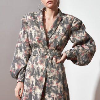 Šedé vzorované šaty s páskem Trendyol