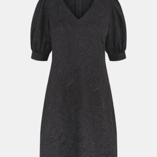 Černé šaty Pieces