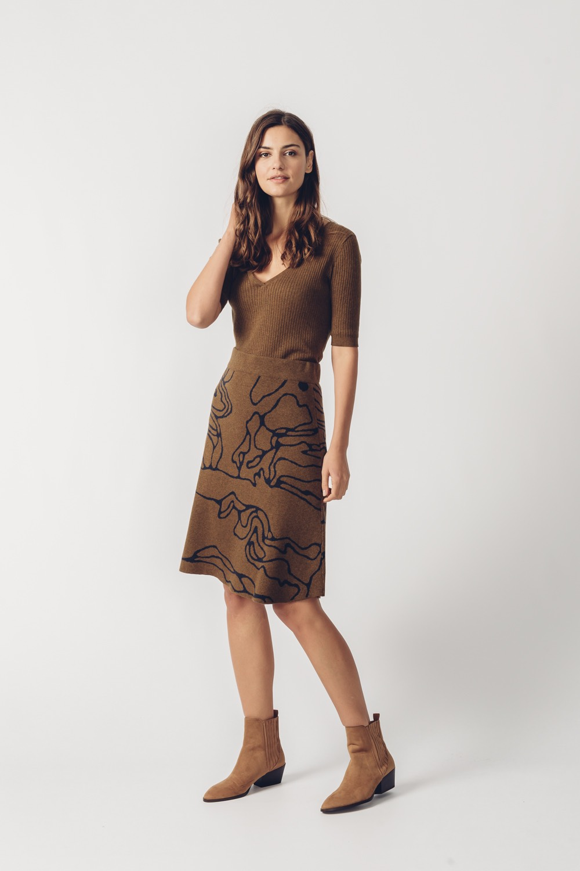 SKFK hnědá svetrová sukně Arane Long