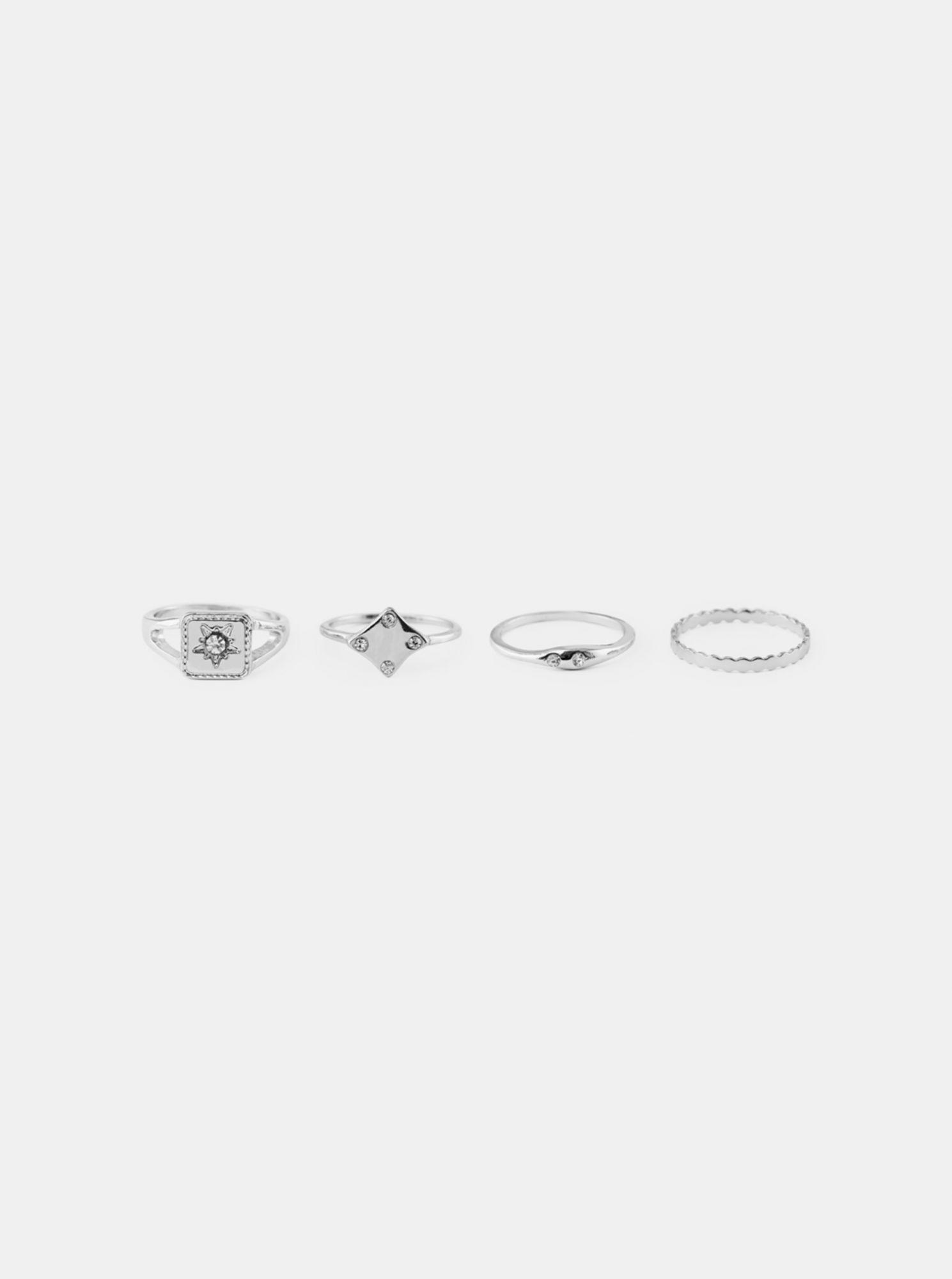 Pieces sada čtyř prstýnků ve stříbrné barvě